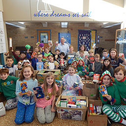 Deephaven Students Collected 800 Pounds of Food This Thanksgiving